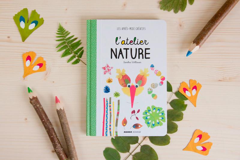 Couverture du livre l'Atelier nature, montrant des activités du livre.