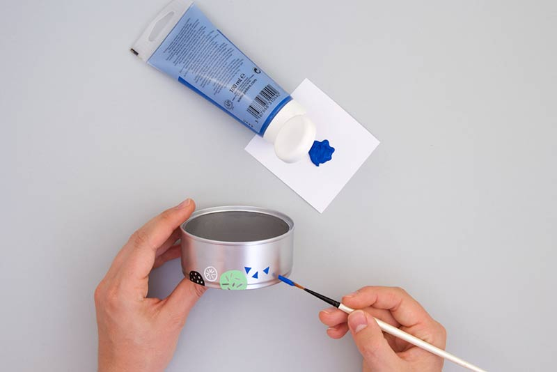 Décoration de la boîte qui servira à fabriquer le distillateur solaire